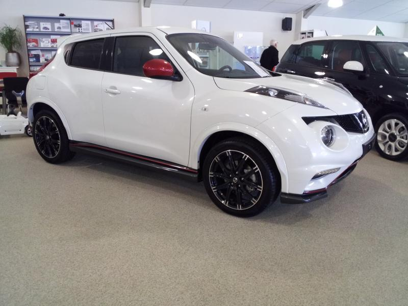 new high res pictures of the 2013 nissan juke nismo page 2. Black Bedroom Furniture Sets. Home Design Ideas