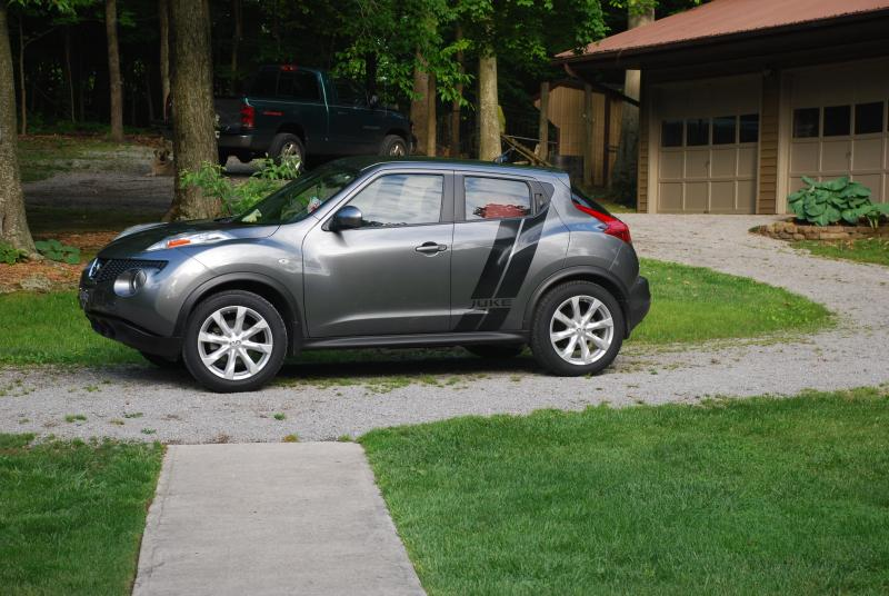 what is the largest size tire you have on your stock juke. Black Bedroom Furniture Sets. Home Design Ideas