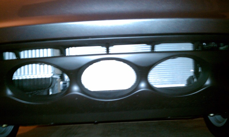 Below the bumper air-inlets vulnerability-imag0186.jpg