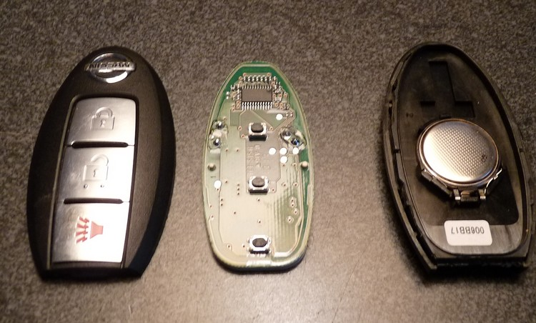 nissan car key battery replacement